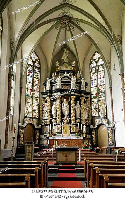Chancel with altar by Wilhelm Spliethoven, Kloster Oelinghausen, Herdringen, Sauerland, North Rhine-Westphalia, Germany