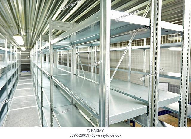 New modern metal warehouse shelves construction