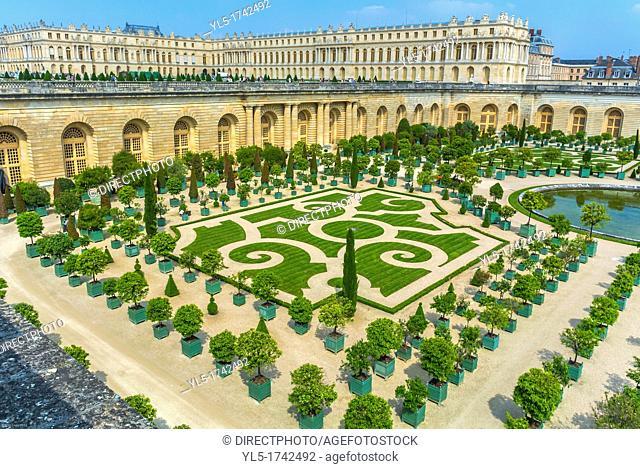 Paris, France, Tourists Visiting Art Galleries inside the Chateau de Versailles, French Castle, Orangerie Gardens
