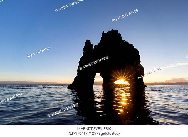 Hvitserkur, 15 m high basalt sea stack along eastern shore of the Vatnsnes peninsula, northwest Iceland