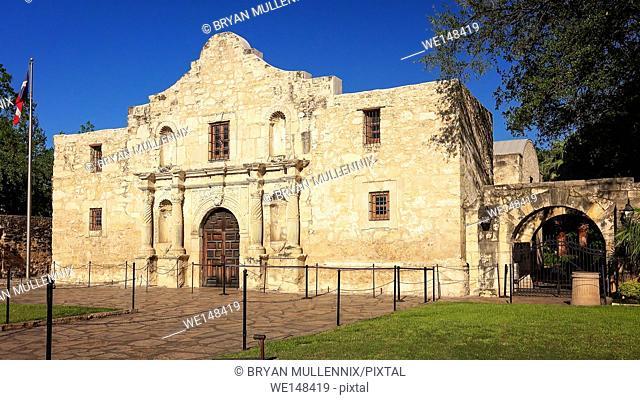 Exterior view of the historic Alamo in San Antonio, Texas