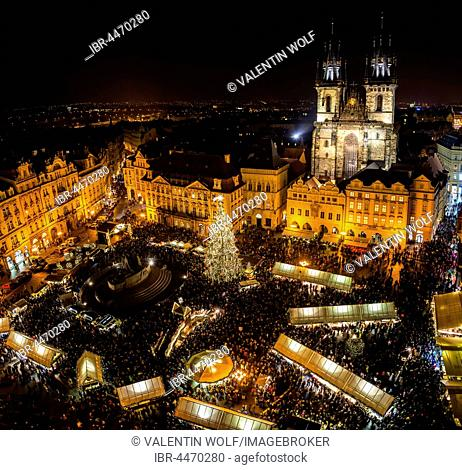 Tyn Cathedral, Christmas market, view from Old Town Hall at night, historic centre, Prague, Czech Republic