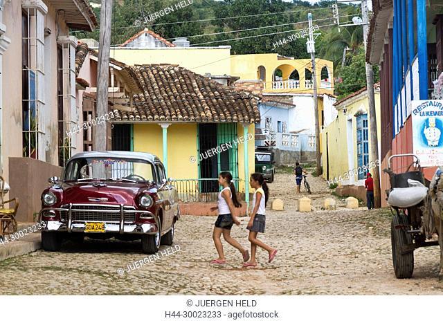 Street with cobblestone, Oldtimer, Trinidad Cuba