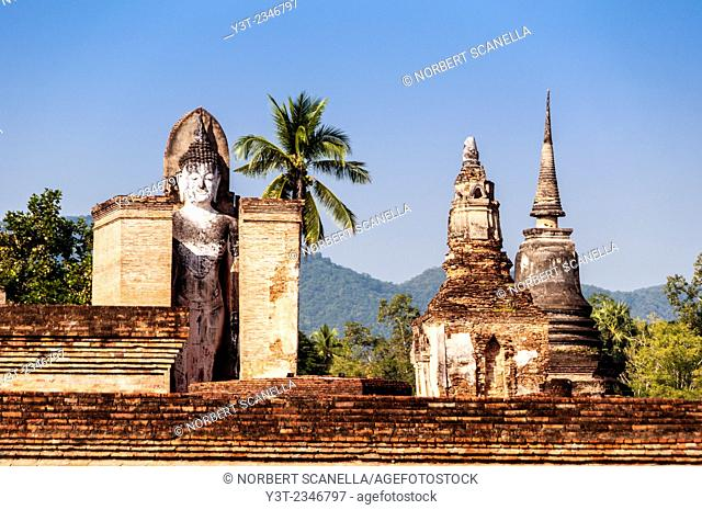 Asia. Thailand, Sukhothai Province. Sukhothai (old capital of Siam) archaeological Park, classified UNESCO World Heritage. Wat Mahathat. Buddha statue