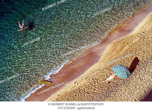 Europe, France, Alpes-Maritimes, Villefrance-sur-Mer. Rest on the beach