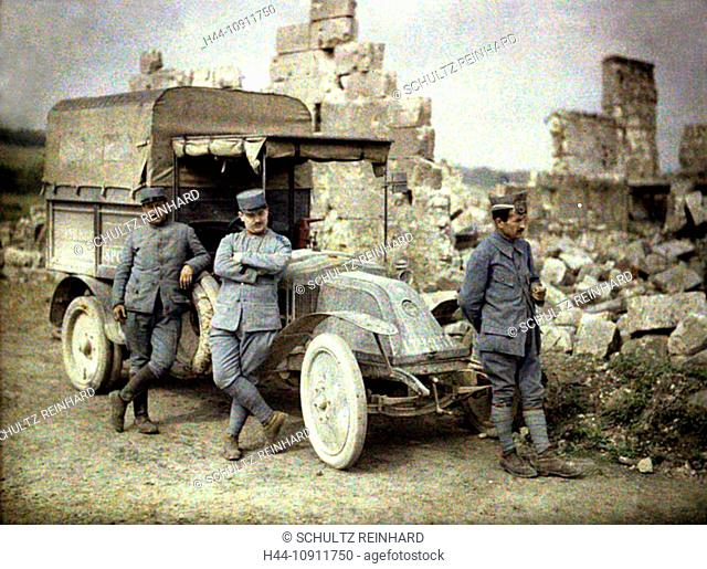 War, Europe, world war I, 1917, Europe, world war, color photo, Autochrome, F. Cuville, western front, delivery van, vehicle, vessel, soldier, ruins, remains