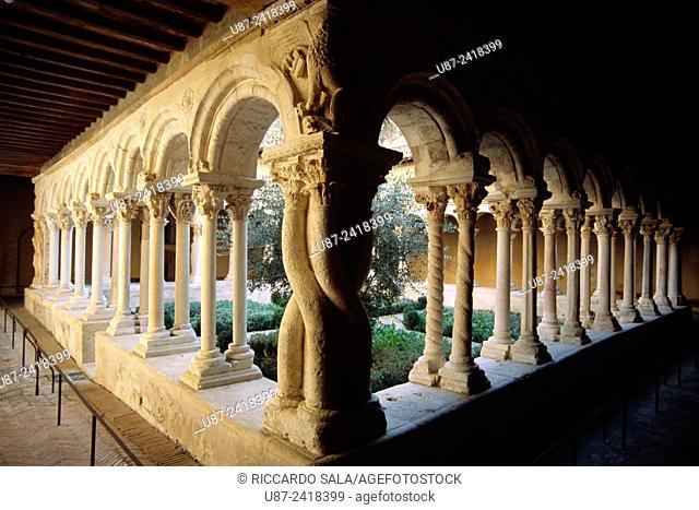 France, Bouches du Rhone, Aix en Provence, Cathedral St-Saveur, Cloister.
