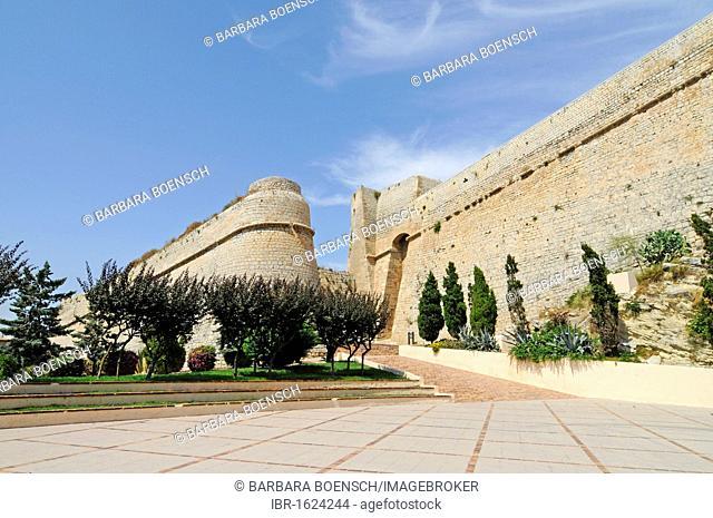 Town gate, Baluard des Portal Nou, Muralla town wall, Dalt Vila, Unesco World Heritage Site, historic town, Eivissa, Ibiza, Pityuses, Balearic Islands, Spain