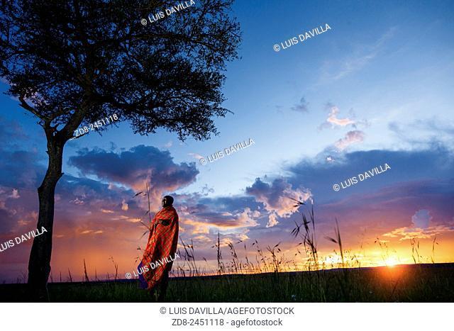 masai etnic people in serengeti national park
