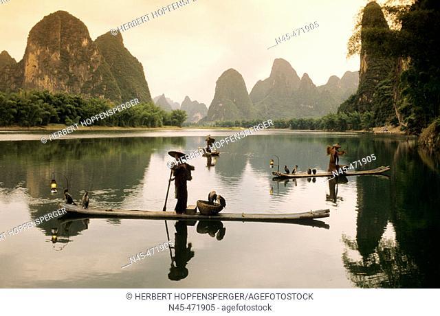 Fisher scenario. Xingping Li river. China