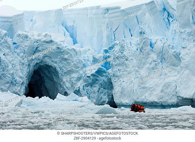 Antarctica, Antarctic Peninsula, Paradise Bay, MR