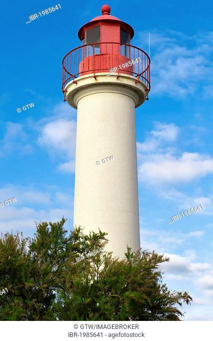 Saint-Martin-en-Re lighthouse, Ile de Re island, Departement Charentes Maritime, France, Europe