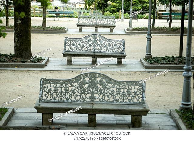 Park benches Alameda de Santiago de Compostela, A Coruña, Galicia, Spain, Europe