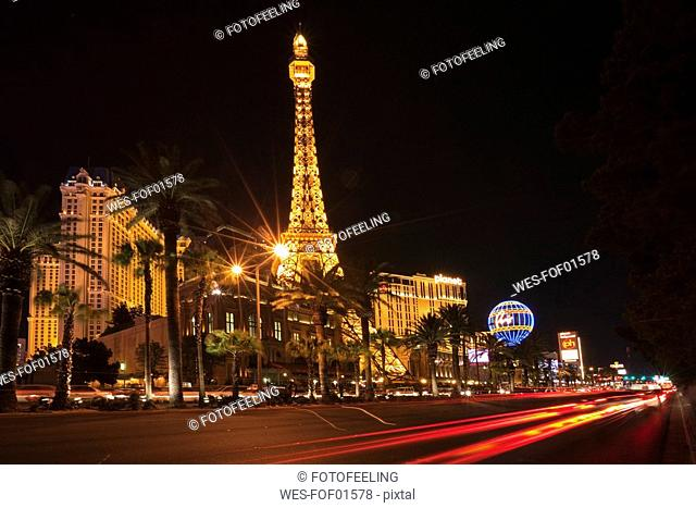 USA, Las Vegas, Hotel Paris at night