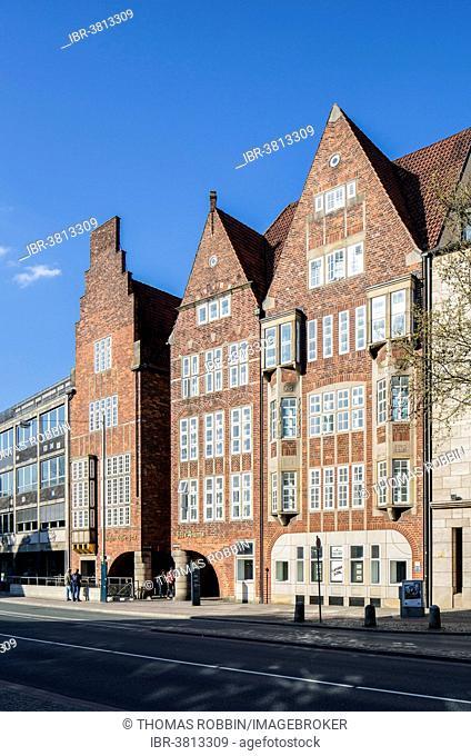 Böttcherstraße, Paula-Becker-Modersohn-Haus, Haus Atlantis and Robinson-Crusoe-Haus buildings, historic town centre, Bremen, Germany