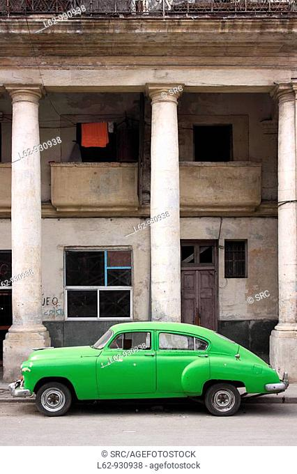 vertical image, Havana, Republic of Cuba, World Heritage Site by UNESCO. Old Havana, Spanish crown, reflect a mix of architectures and the testimony of...
