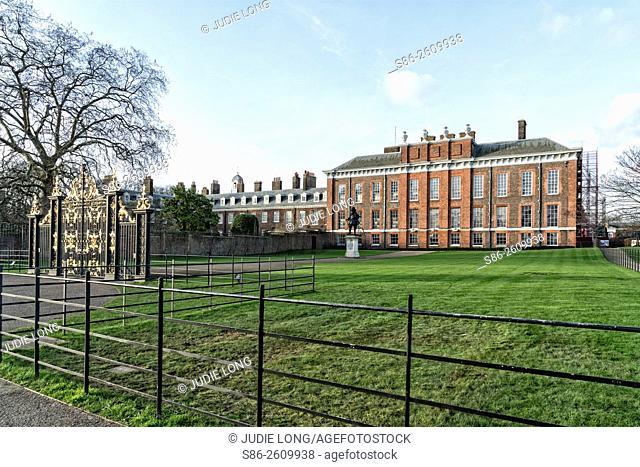 London, England, UK, Kensington Palace and Main Entry, Closed gate