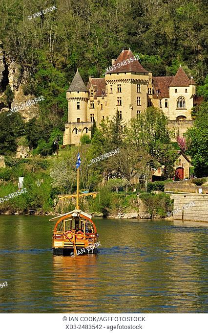 Dordogne River at La Roque Gageac, Dordogne Department, Aquitaine, France