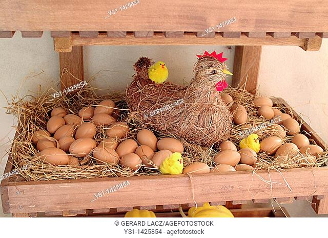 EASTER DECORATION WITH HEN, CHICK AND EGGS