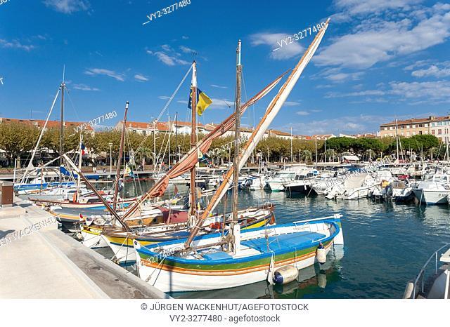 Harbor, Saint-Raphael, Var, Provence-Alpes-Cote d`Azur, France, Europe