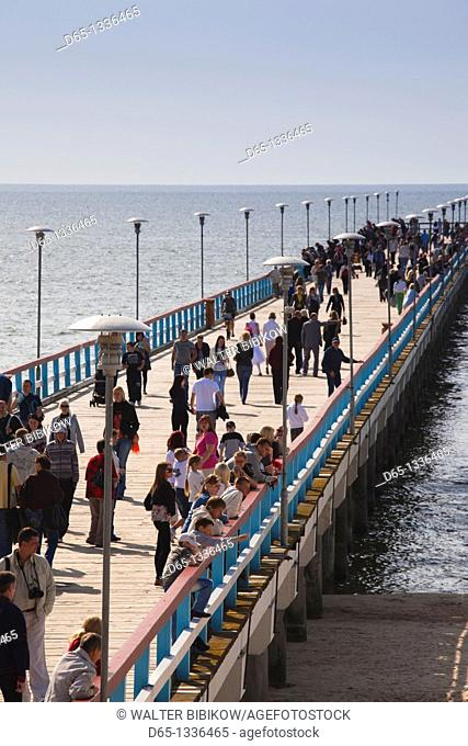 Lithuania, Western Lithuania, Palanga, town pier on the Baltic Sea with visitors, NR