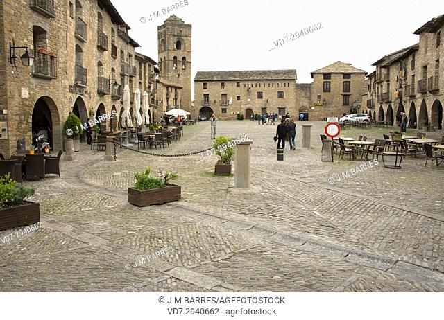 Ainsa, Main Square (Plaza Mayor). Sobrarbe, Huesca province, Aragon, Spain