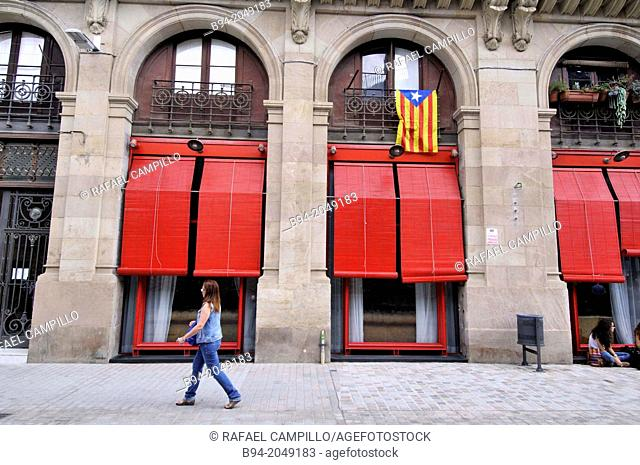 Red blinds, El Born area, Barcelona, Catalonia, Spain