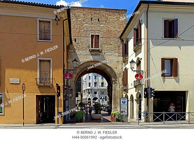 Europe, Italy, Veneto Veneto, Padua, Padova, via Altinate, town gate, Porta depression Beccherie, town wall, 13th century, architecture, building, lanterns