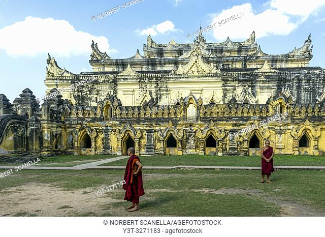 Myanmar (ex Birmanie). Inwa region of Mandalay. Maha Aungmye Bonzan Monastery, ancient city of Inwa or Ava