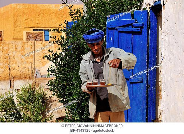 Man pouring tea, Chinguetti, Adrar Region, Mauritania