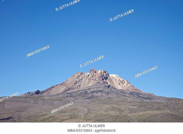 Bolivia, Salar de Uyuni, Tahua, volcano Tunupa
