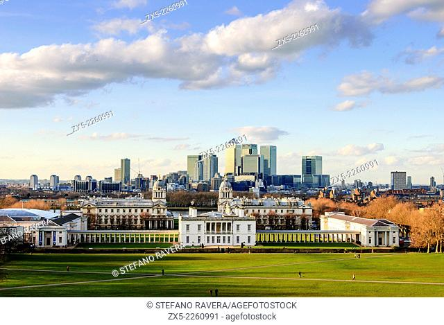 View of the National Marittime Museum gardens and Canary Wharf from the Greenwich Observatory hill - Greenwich, London - England