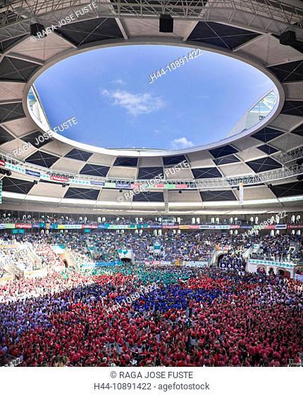 Spanien, Europa, Tarragona, Catalonia, stadium, Castellers, festival, human pyramid, masses, Castells, tradition