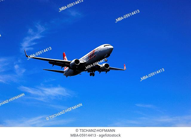 Airplane of the GOL, Gol of transport Aereos, Brazilian cheap flight company, in the approach on airport of Aeroporto Santos Dumont in Rio de Janeiro, Brazil