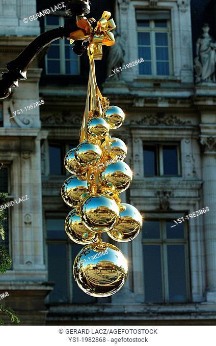 Christmas Bowls, Street Decorations in Paris