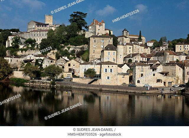 France, Lot, Puy l'Eveque, medieval, stepped on the right bank of the Lot, the old houses of the city with beautiful stones ochres are dominated by the Dungeon...