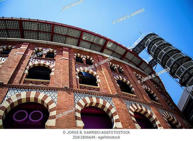 Plaza de Espanya and Arenas bullring