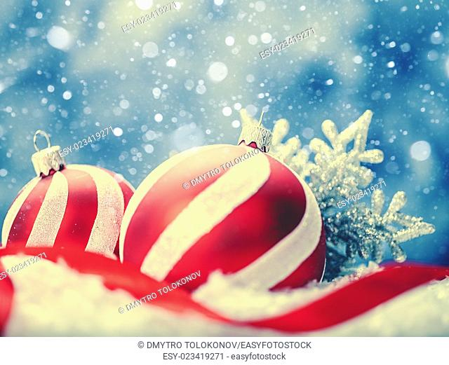 Beauty Xmas backgrounds with red striped decoration ball