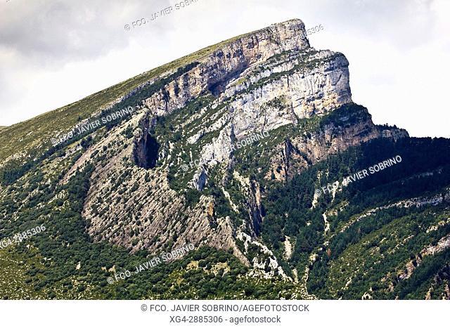 Pico Mondoto. Nerín. Provincia de Huesca. Aragón. Pirineos. España. Europa