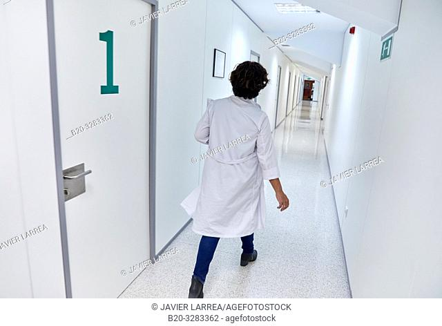 Doctors in the corridor, Hospital Donostia, San Sebastian, Gipuzkoa, Basque Country, Spain