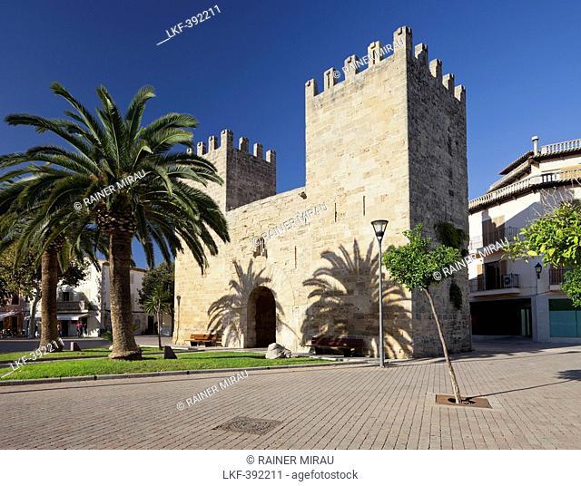 Porta del Moll, Alcudia, Majorca, Spain