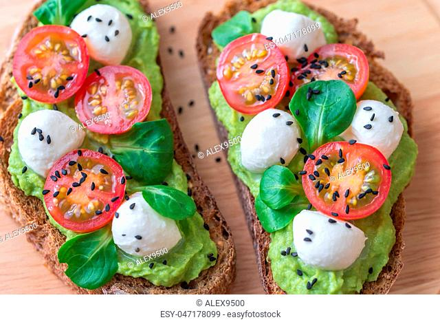 Sandwiches with avocado paste