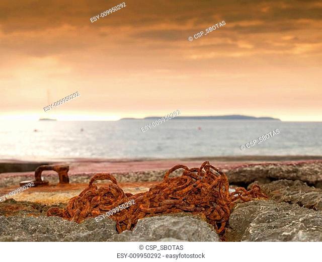 Coastal chain