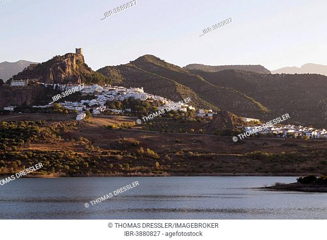 The White Town of Zahara de la Sierra with its Moorish castle and the reservoir of Zahara-El Gastor, Cádiz province, Andalusia, Spain