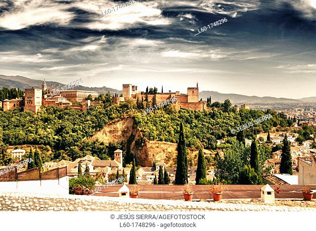 View of the Alhambra from the Mirador de San Nicolas  Granada  Andalucia  Spain