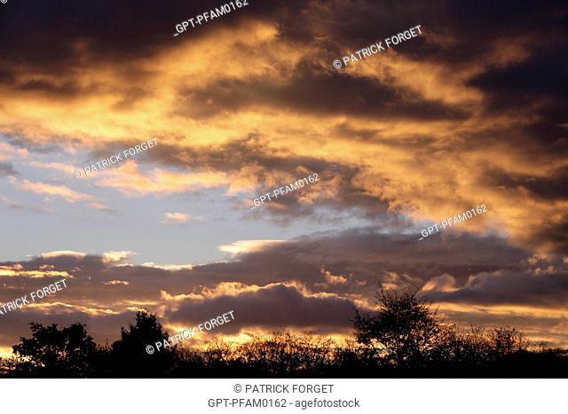 STORMY SKY AT NIGHTFALL, EURE-ET-LOIR 28, FRANCE