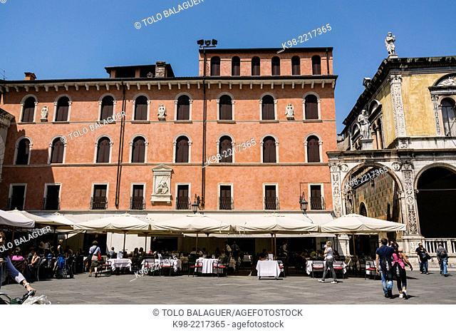 Piazza dei Signori (aka Piazza Dante), Verona, UNESCO World Heritage, Veneto, Italy