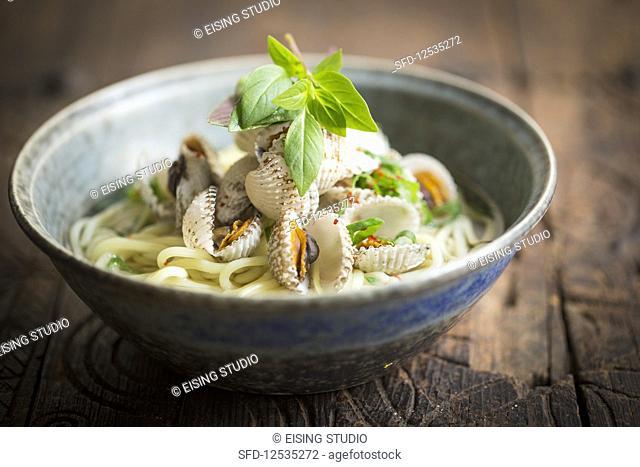Ramen noodles with clams (Japan)