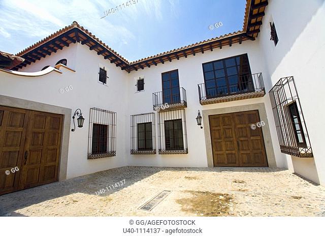 Guatemala, Antigua, new colonial homes