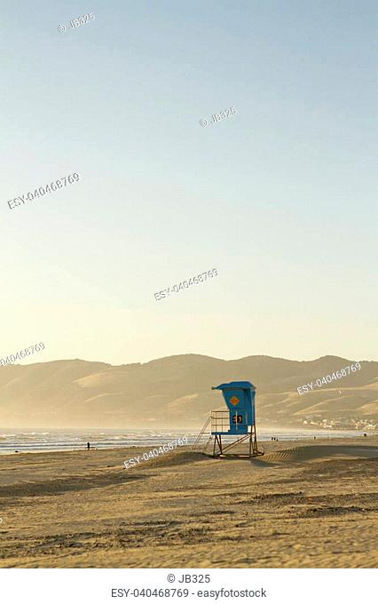 A view of a lifeguard stand in Pismo Beach, California